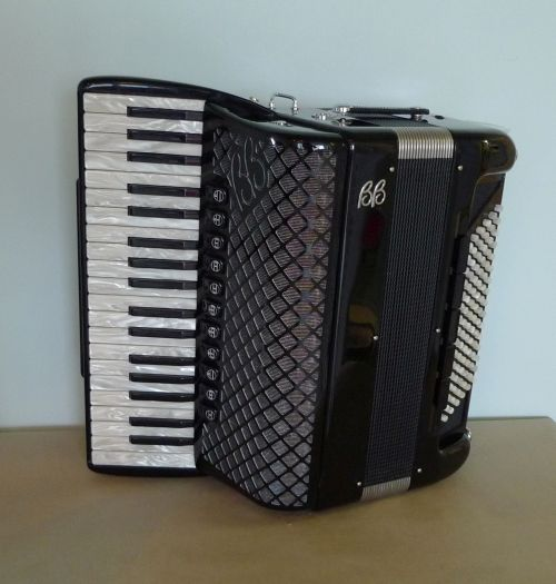 Ballone Burini Model 39 A Cassotto Accordion