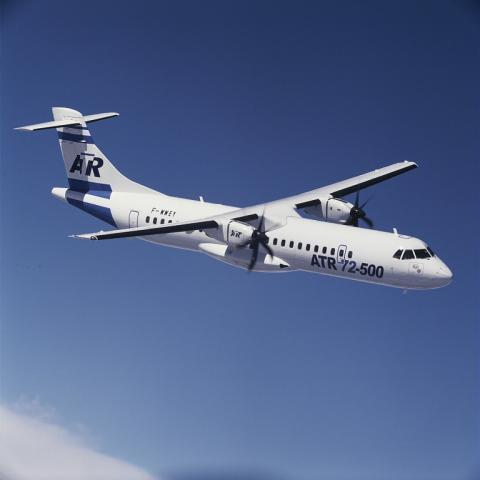ATR 72-500  twin-turboprop regional airliner