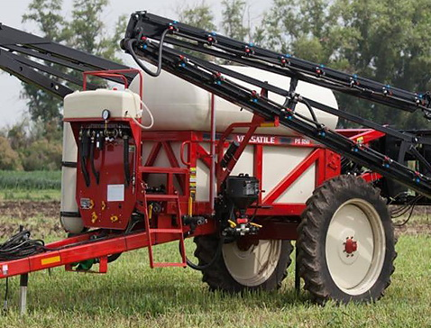 Rostselmash Versatile PS850 sprayer