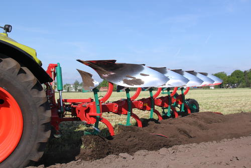 Kverneland 150 B Variomat mounted reversible plough