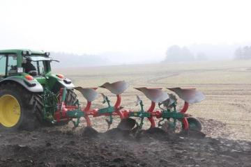 Kverneland 150 S mounted reversible plough
