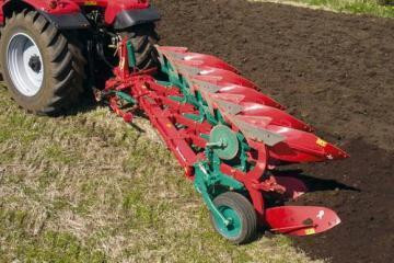 Kverneland ES mounted reversible plough