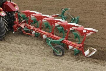 Kverneland LS mounted reversible plough