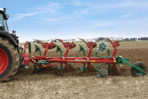 Kverneland EG mounted reversible plough