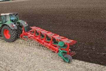 Kverneland LB mounted reversible plough