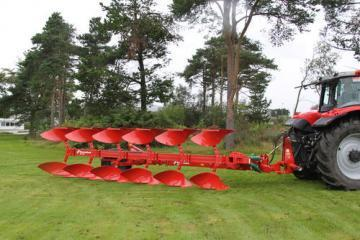 Kverneland RN semi-mounted reversible plough