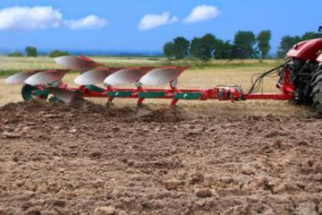 Kverneland PB semi-mounted reversible plough