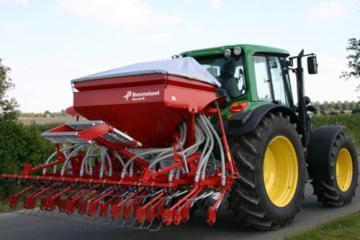 Kverneland Accord DL pneumatic seed drill