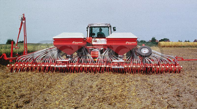 Kverneland Accord DT pneumatic seed drill