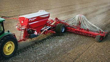 Kverneland Accord DG pneumatic seed drill