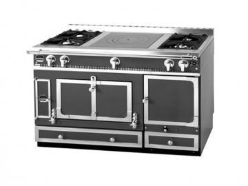 La Cornue Grand Chatelet 135 cooker