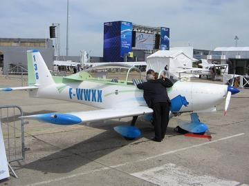 Issoire APM 30 LION three-seat light aircraft