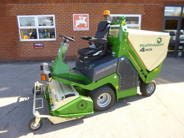 Amazone Profihopper zDrive mower and scarifier