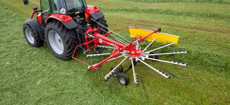 Fella TS 456 DN single-rotor rake