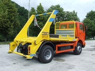 FAP 1823 RB/38 container lifter truck