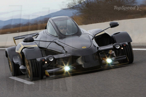 Tramontana R closed top sports car