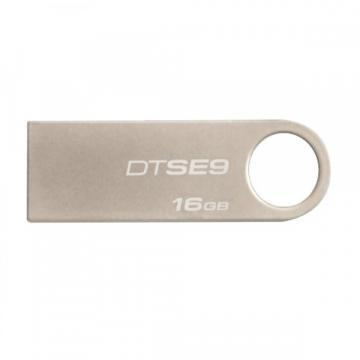 Kingston 16GB Datatraveler Flash Drive  SE9