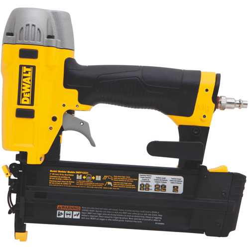 "DeWalt 18 Gauge 2"" Brad Nailer Kit"