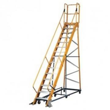Louisville Type IA 15 ft Fiberglass Platform Warehouse Ladder