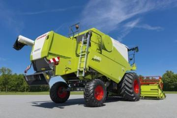 CLAAS Avero 240 Combine Harvester