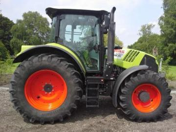 CLAAS Arion 550 Farm Tractor