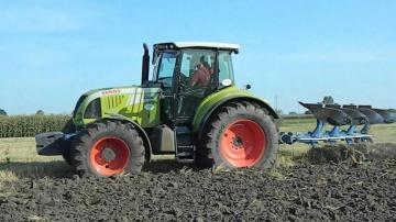 CLAAS Arion 640 Farm Tractor