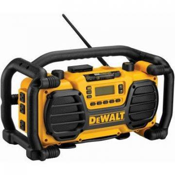 DeWalt Heavy-Duty Worksite Radio & Charger