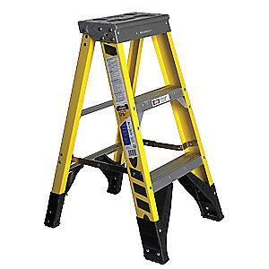 Werner 3 ft. 375 lb. Load Capacity Fiberglass Stepladder
