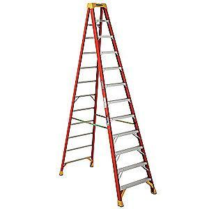 Werner 12 ft. 300 lb. Load Capacity Fiberglass Stepladder