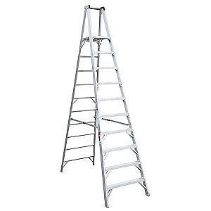 Werner Aluminum Platform Stepladder, 12 ft. Ladder Height, 10 ft. Platform Height, 300 lb.