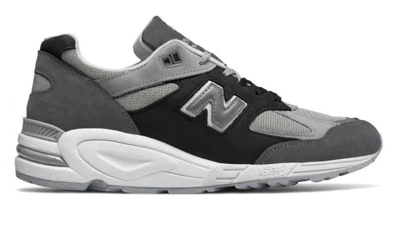 New Balance Mens 990v2 Made in US sneakers